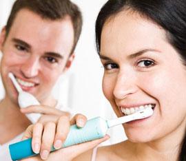 come si usa lo spazzolino elettrico